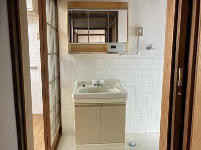 【独立洗面台】関西町貸家