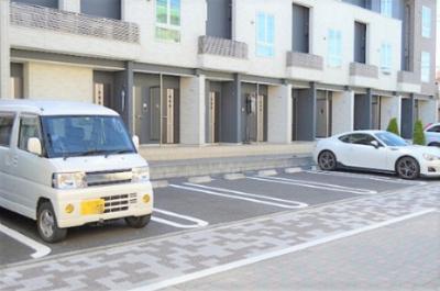 【駐車場】フォンテーヌ・エスト