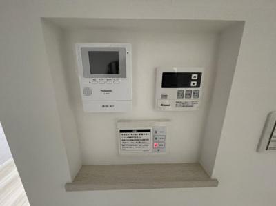 設備専用ニッチ(モニター付きインターホン・給湯器・施錠ボタン)