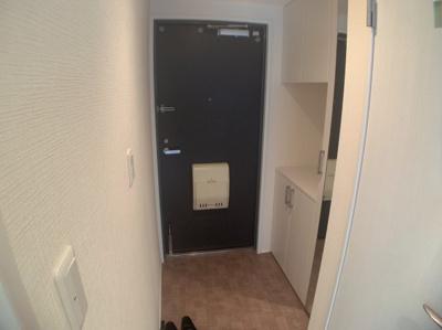 使いやすいシンプルな玄関です。