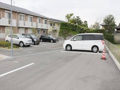 【駐車場】シャーメゾン18