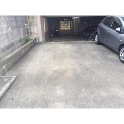 【駐車場】三喜マンション
