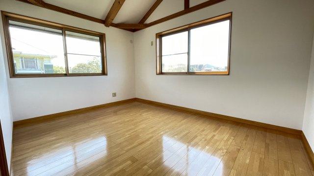 2階西側洋室(約7.2帖)