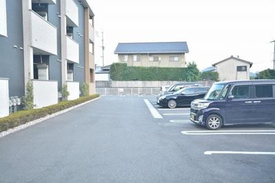【駐車場】グレイス ワン