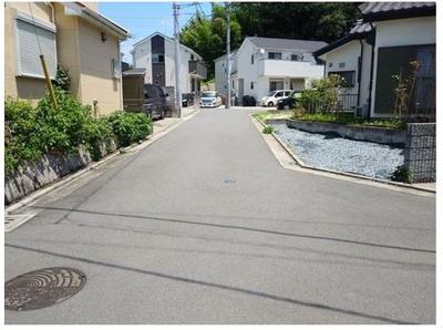 【前面道路含む現地写真】茅ヶ崎市芹沢 中古戸建