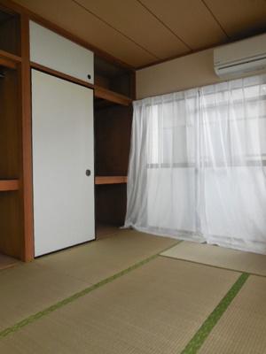 お昼寝するなら和室だよね!