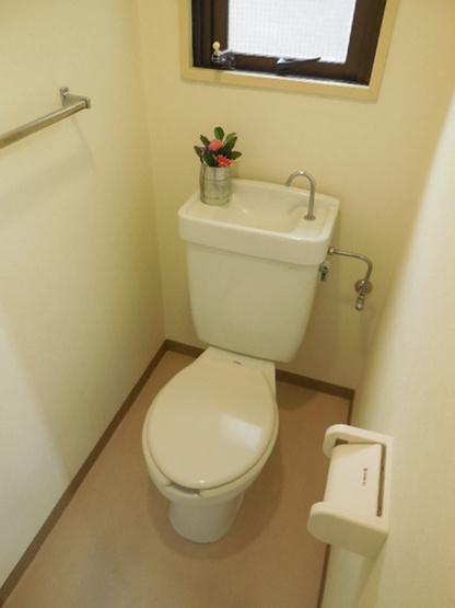 換気窓付のトイレ!