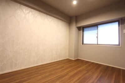 マスターベッドルームにはウオークインクローゼットが備わっており、お部屋もすっきり使えます。