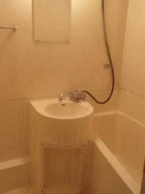 【洗面所】遠州ビル 2人入居可 お子様相談可 バストイレ別 南向き