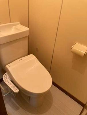【トイレ】遠州ビル 2人入居可 お子様相談可 バストイレ別 南向き