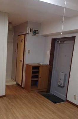 【玄関】遠州ビル 2人入居可 お子様相談可 バストイレ別 南向き