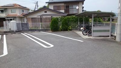 【駐車場】リヨン・たつの A