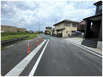 【前面道路含む現地写真】雄琴5丁目 分譲12区画 3号棟