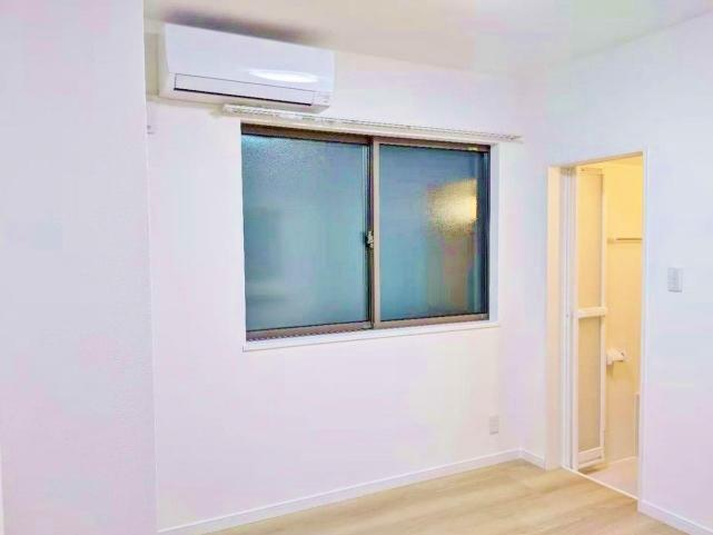室内底辺綺麗にリノベーションしております 全室キッチン・ユニットバス完備 エアコンも設置しております
