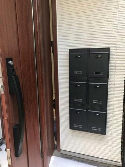 玄関メールボックス 各居室分ありプライバシーが守られます
