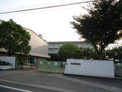 堺市立南八下中学校まで691m