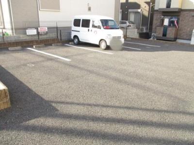【駐車場】楽園