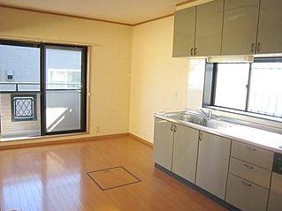 【キッチン】リバティハウス