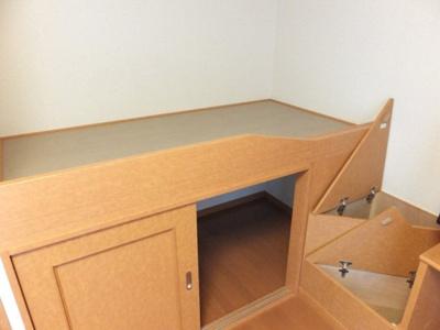 ベッド下収納、階段収納