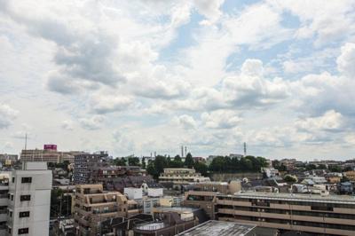 ビルやマンションも眼下に、空が広がる眺望♫