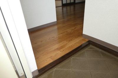【玄関】ファミール・桂