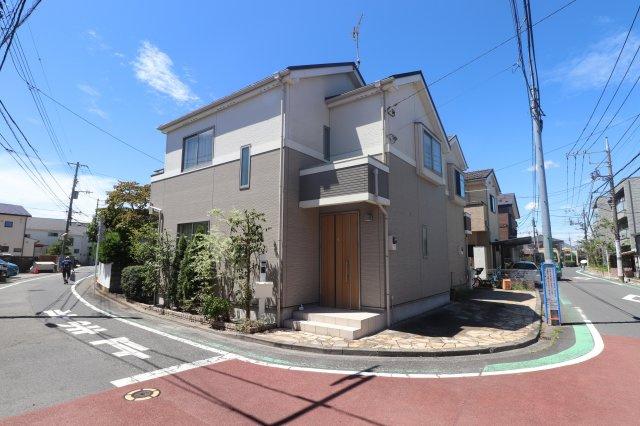 【外観】平成27年築の築浅物件 狛江市東野川2丁目 中古戸建