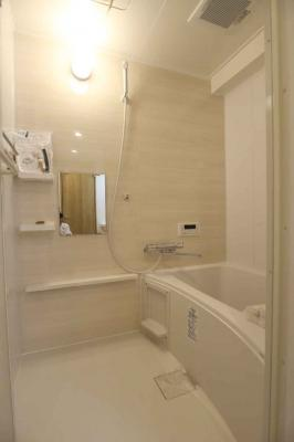 浴室もリフォーム済で大変綺麗です◎足を伸ばして浸かれる浴槽も嬉しいですね♪