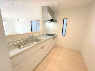 岐阜市錦町 新築建売全1棟 お車スペース4台可能(車種による)生活環境の整った静かな住宅地です。