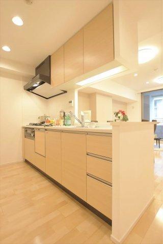 食洗機・浄水器 標準装備のカウンター付キッチンです