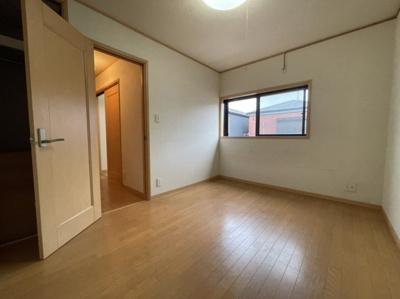 3階の洋室6帖ございます。