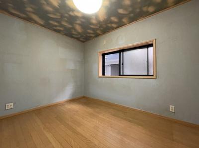 1階の洋室6帖ございます。