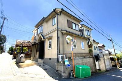 現地に立っている旗『YuiHome(ゆいホーム)』のお店です♪お問い合わせは【お電話】または【✉お問い合わせ】ボタンでどうぞ!お待ちしております!!