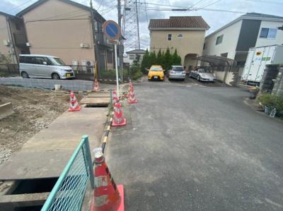 【前面道路含む現地写真】八潮市八条新築戸建て