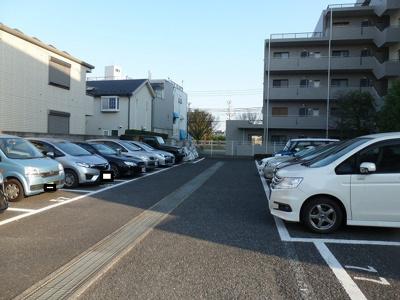【駐車場】ディフロイデェ