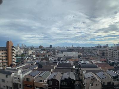 8階からの眺望です。高い建物が少ないので見晴らし良好です。