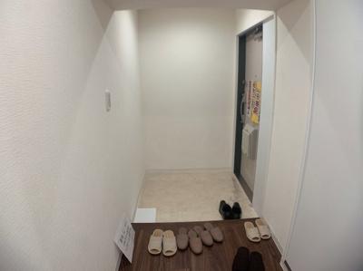 シンプルで明かるい玄関です。