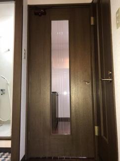 リビング入口ドア