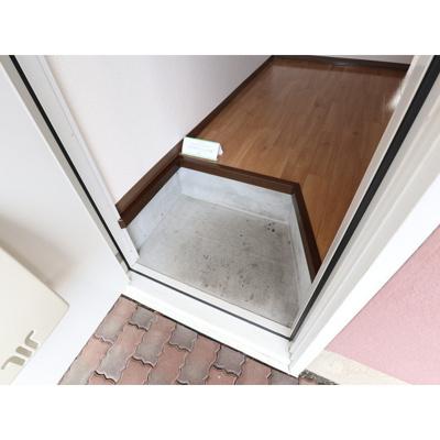 【玄関】フレグランスARAI C棟