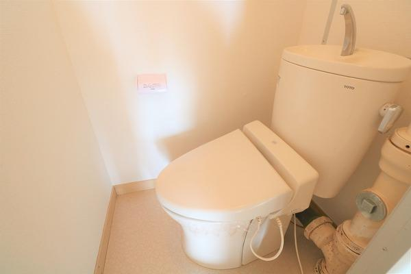 【トイレ】 上階、下階、共にトイレございます♪