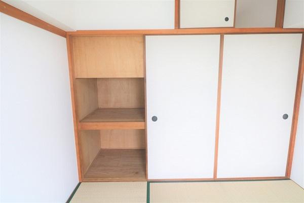 【収納】 6畳和室の収納です。たっぷり収納できます♪