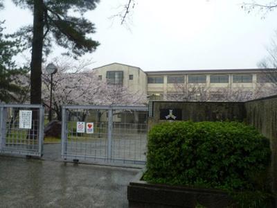 甲陵中学校
