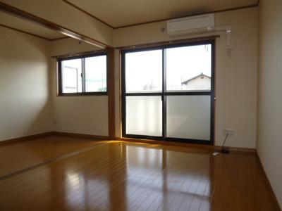 【居間・リビング】ユーミー総社駅南