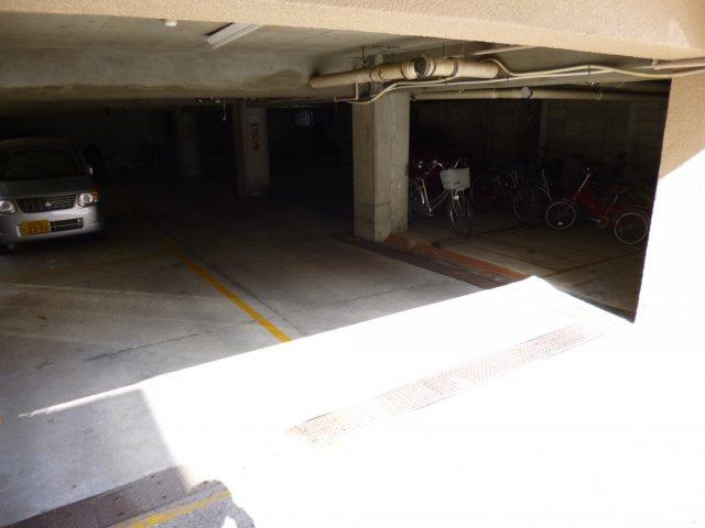 【駐車場】ニュー甲子園マンション