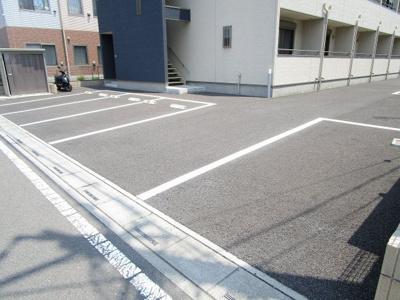 【駐車場】マティス