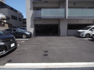 インプレスト南千住の駐車場です。