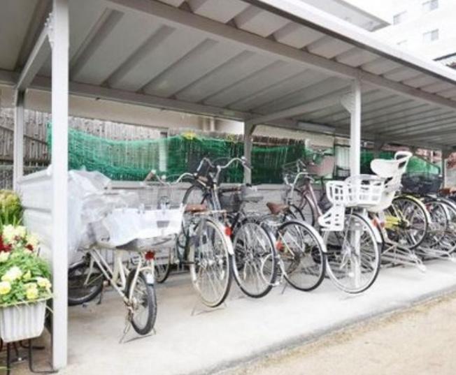 旭ヶ丘マンションの駐輪場です。