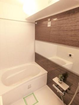 旭ヶ丘マンションのお風呂です。
