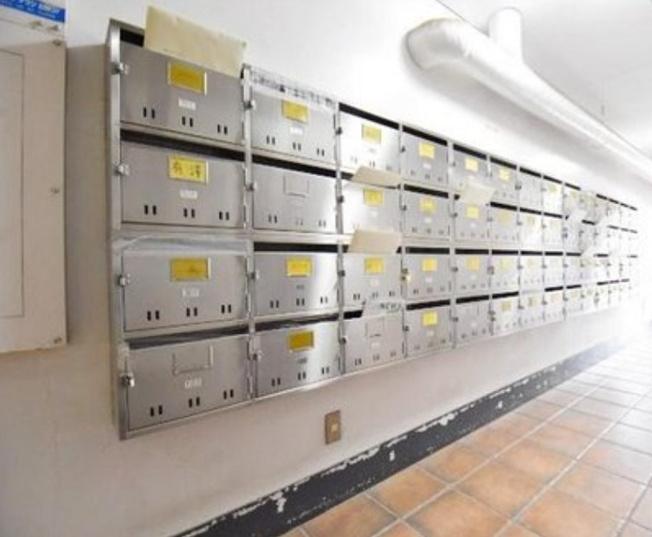 旭ヶ丘マンションのメールボックスです。
