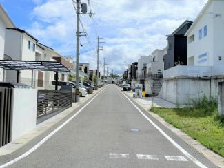 【前面道路含む現地写真】はつが野6丁目 中古戸建