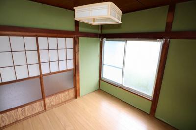 各居室は全て畳からフローリングへリフォームしてます